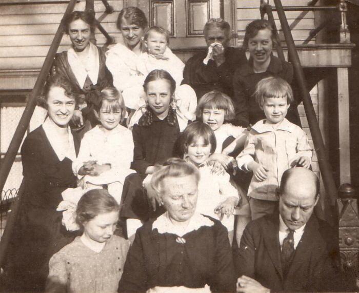 Family of Sam Burdick ...